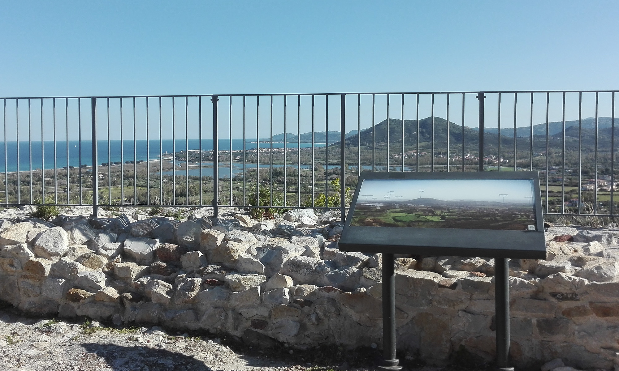 Progetto e realizzazione dei cartelli panoramici del Castello della Fava a Posada