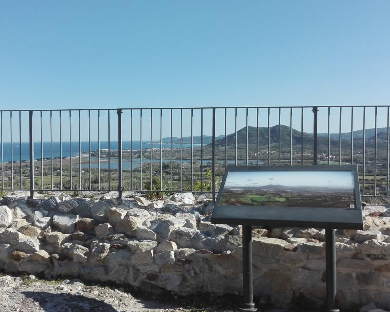 Design dei cartelli panoramici del Castello della Fava a Posada