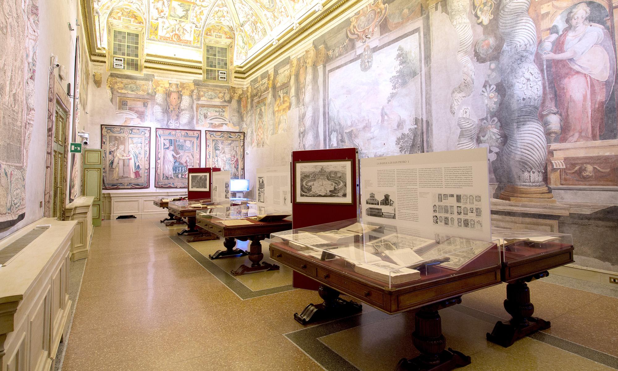 Allestimento della mostra Antiquorum Habet alla Sala Zuccari a Roma