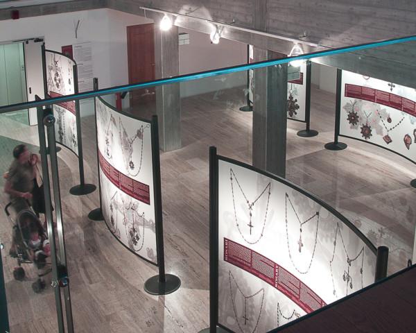 Ideazione allestimento e realizzazione della mostra sui gioielli della Sardegna